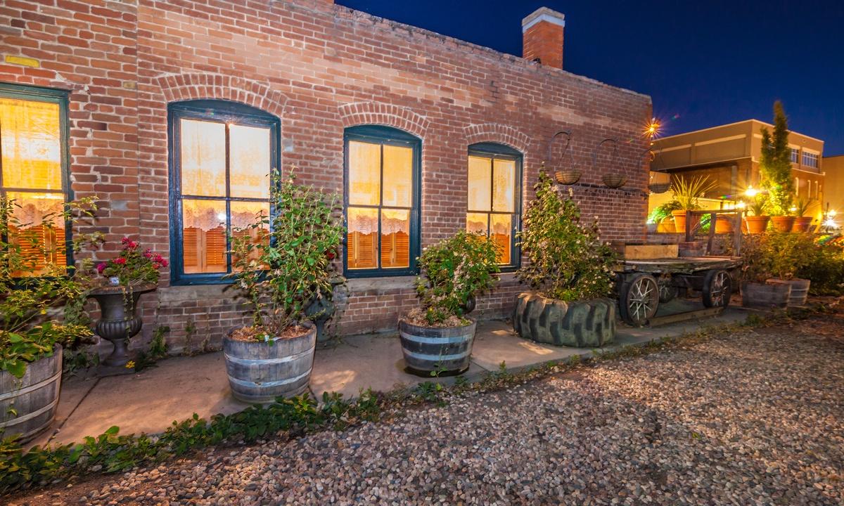 FireHouse Alley Elegant Loft-Style Retreat | Photo 15