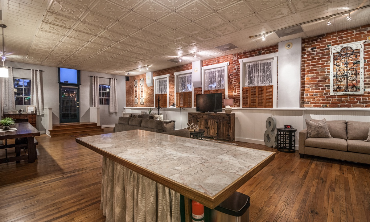 FireHouse Alley Elegant Loft-Style Retreat | Photo 8