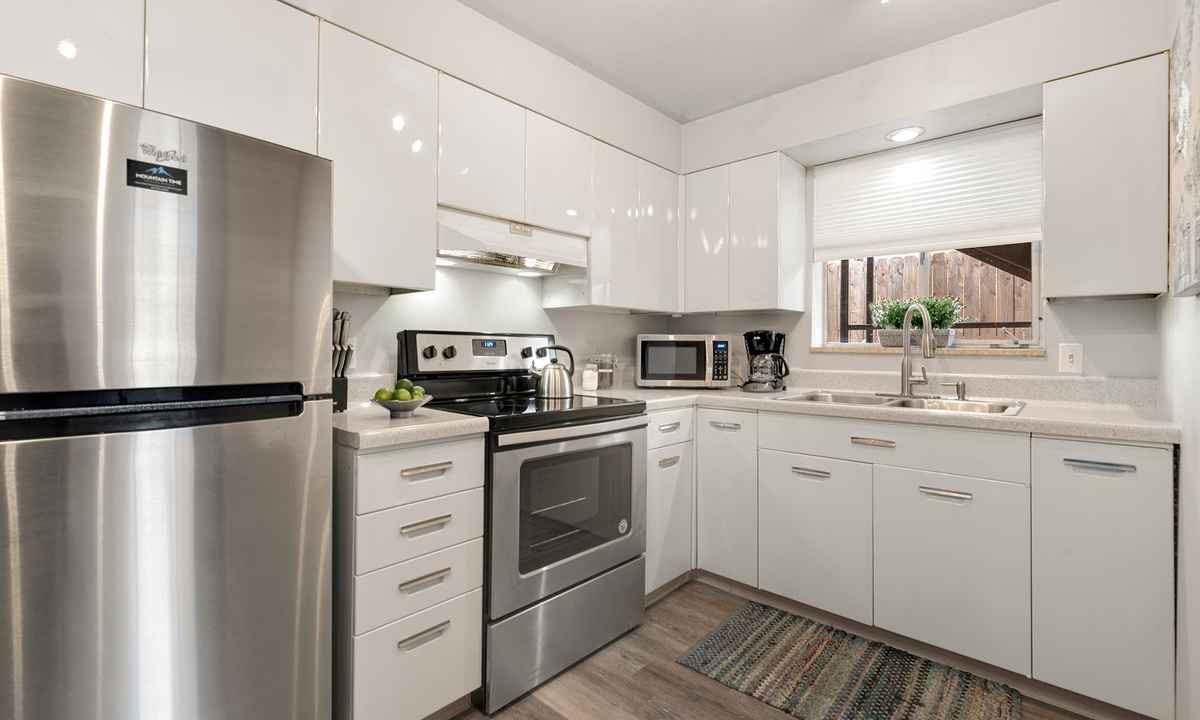 Kitchen with Microwave and coffee maker