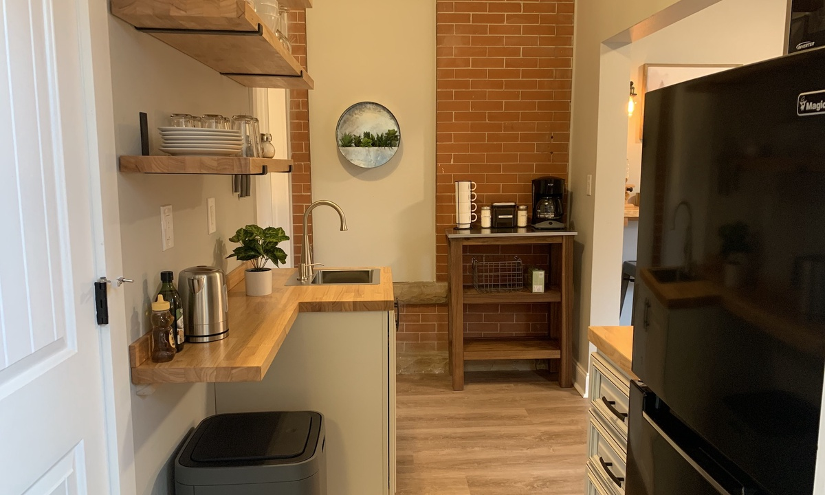 Gorgeous Guest Suite! Walk to Old Town & CSU! | Photo 8