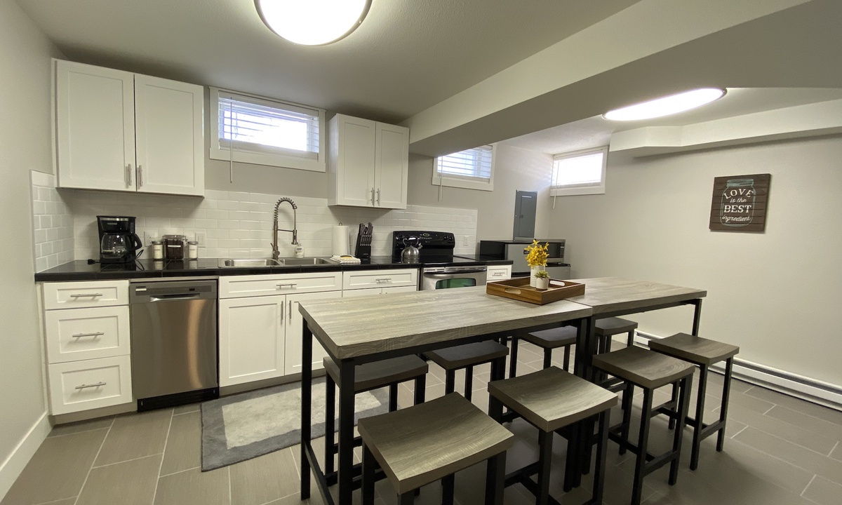 Kitchen and dining area. Seating for 8.