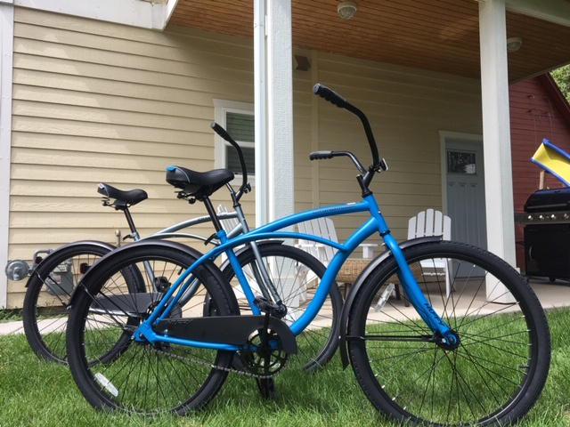 2 cruiser bikes for your use
