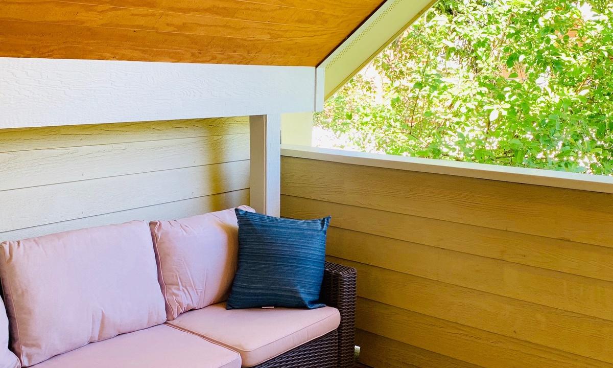 outdoor patio area on second floor