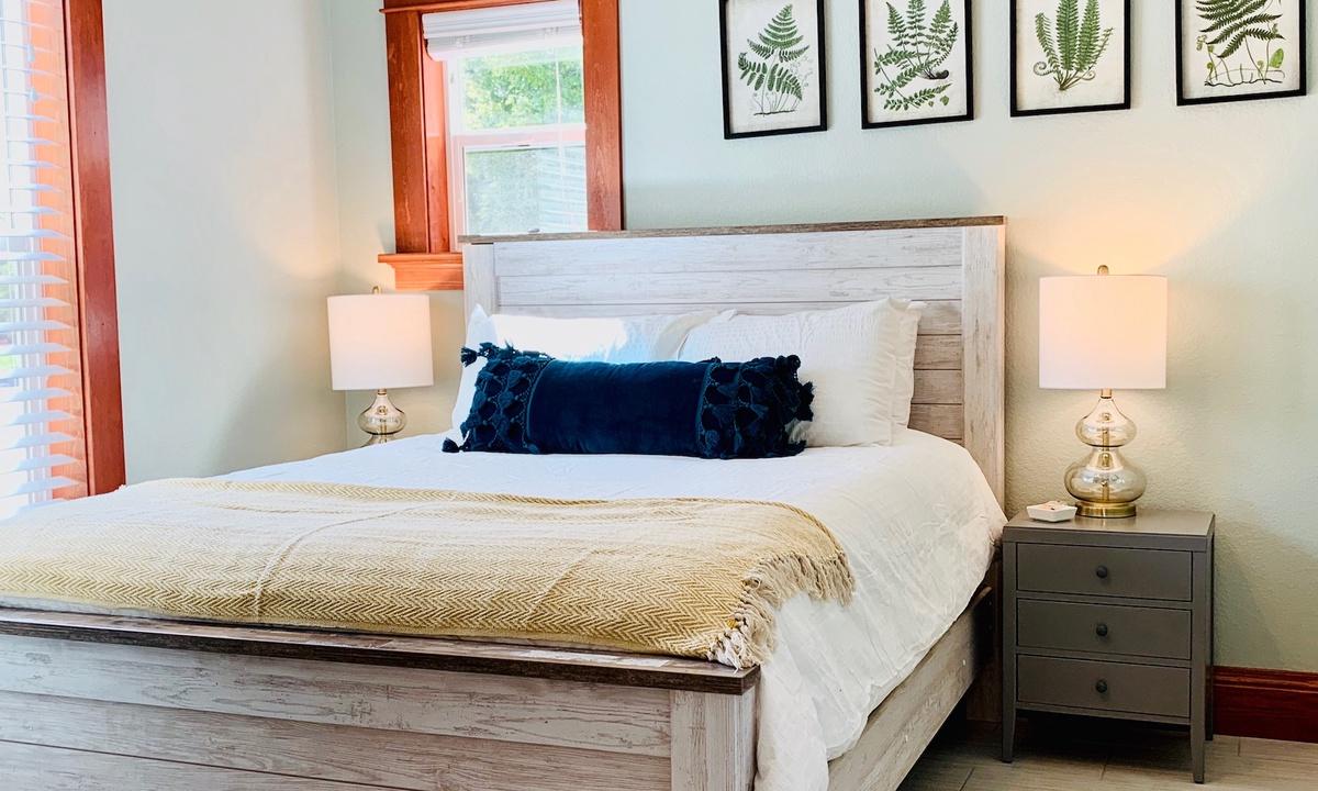 Bedroom 2: Queen on main level