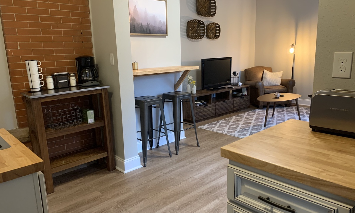 Gorgeous Guest Suite! Walk to Old Town & CSU! | Photo 17