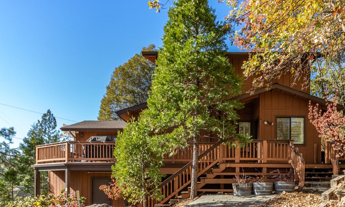 Alder Lake View Lodge
