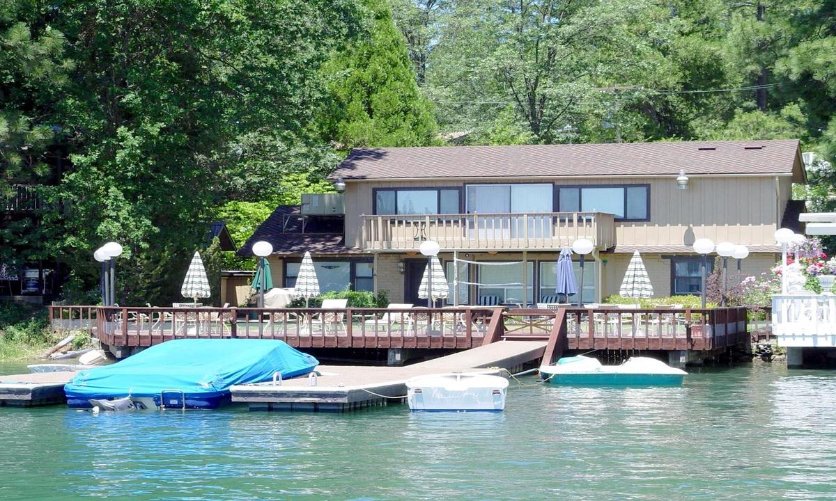 Matthews Lakefront
