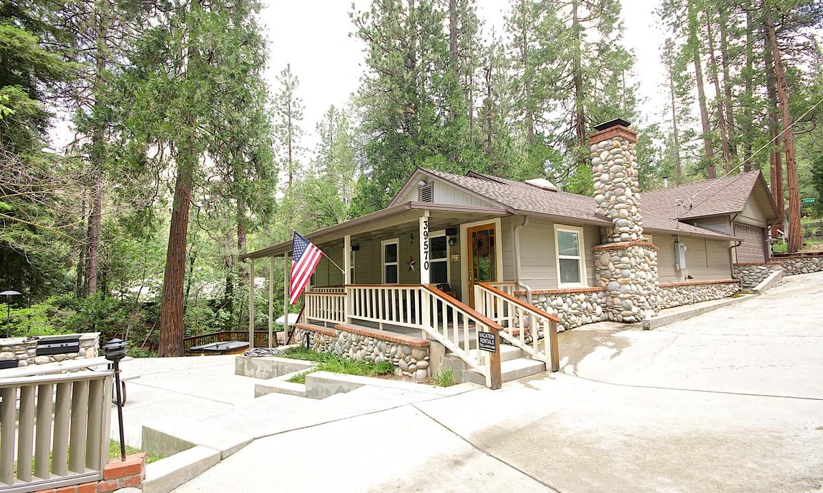 Campos Lake House