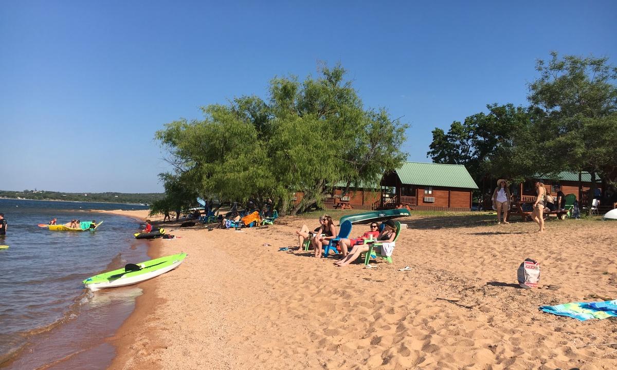 Lakefront Cabin 11