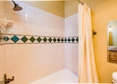 Upstairs King Master Bath-Oregon Loop 11