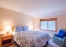Upstairs Queen Bedroom -Mt Baker 5