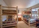 Downstairs Bunk Room-Poplar 33