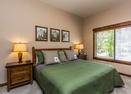 Queen Bedroom-Warbler 10