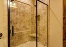 Downstairs King Master Bath-Sunstone Loop 56586