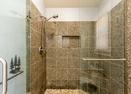 Upstairs King Master Bath-Ollalie 17