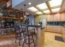 Kitchen w/Bar-Big Leaf 18