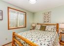 Upstairs Queen Bedroom-Deschutes 8