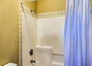 Upstairs Queen Master Bath-Malheur 4