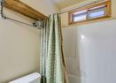 Upstairs King Master Bath-Modoc Lane 6