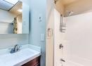 Full Bath in Loft-Meadow Hse Cndo 4
