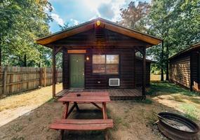 Sleepy Hollow Honeymoon Cabin