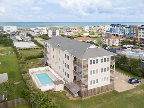 Aerial View of Hughes Retreat Condos